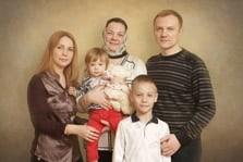 Портрет семьи из пяти человек живописью под масло
